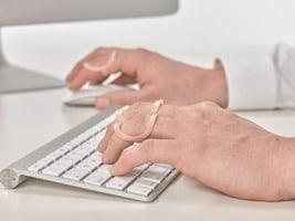 Oval-8 Finger Splints to treat trigger finger, mallet finger, hypermobility, broken fingers