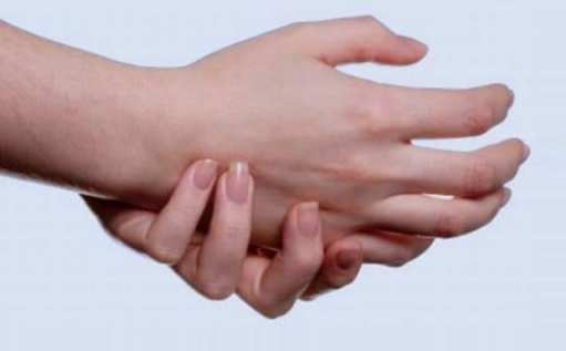 3 treatments to reduce swelling in hands