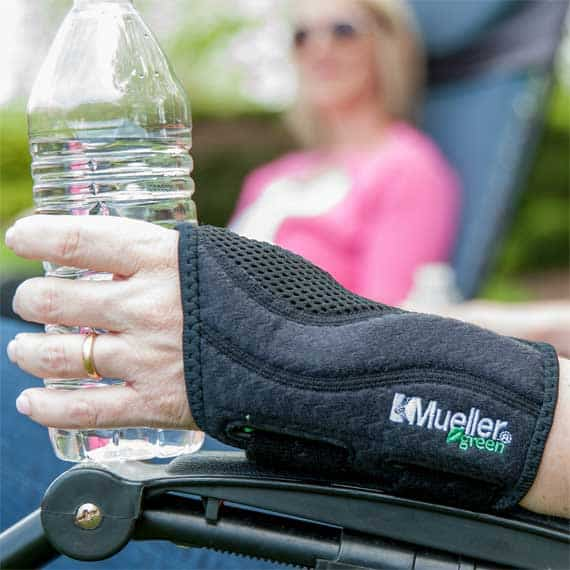 Wrist brace for carpal tunnel syndrome or tendinitis