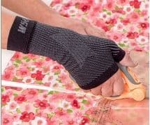 wrist compression sleeve for carpal tunnel syndrome